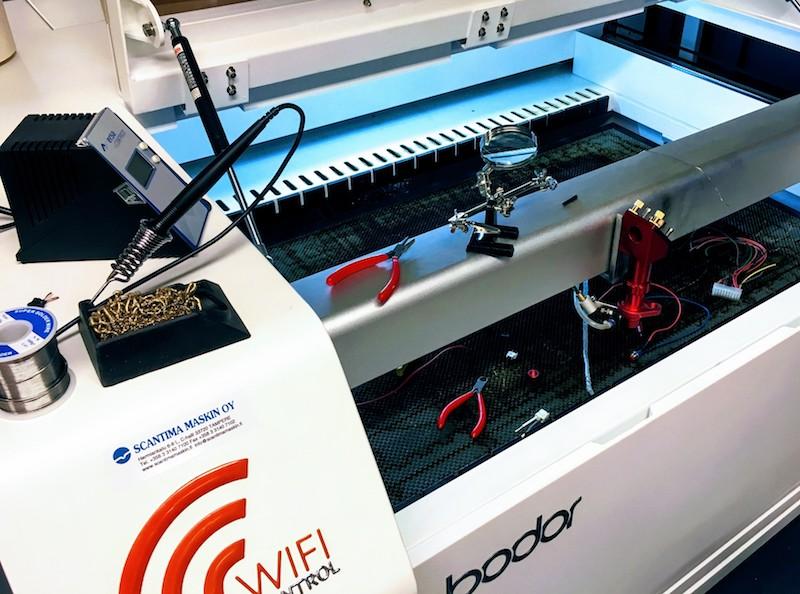 Laserleikkurin kalibrointi