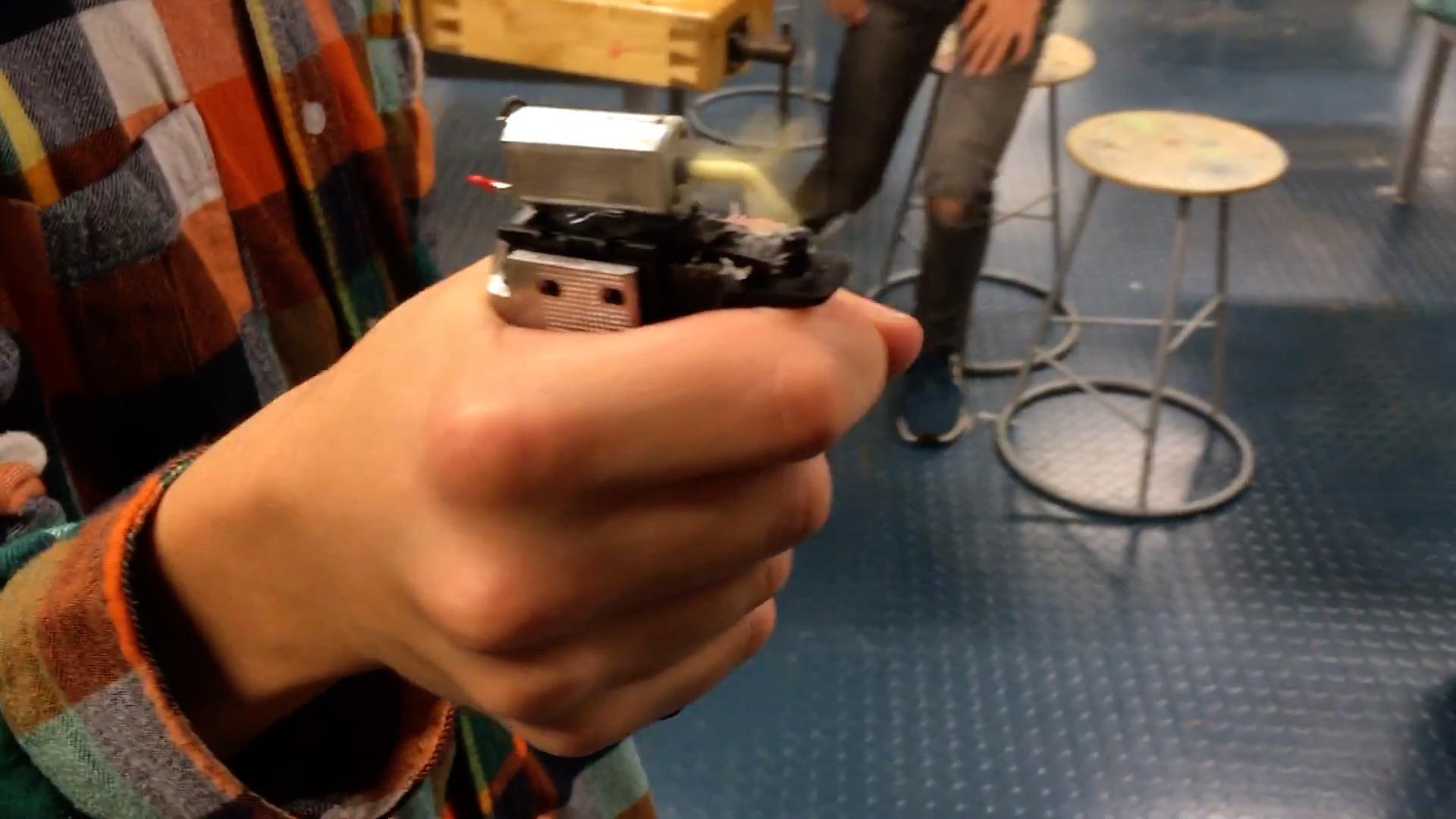 Nikolas - Käsityökoulu Robotti